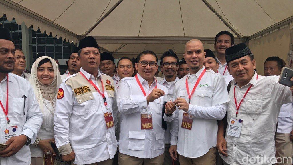 Serius Terjun ke Politik, Ahmad Dhani Jadi Kader Gerindra
