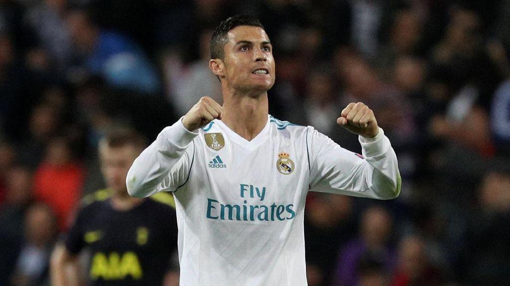 Ronaldo Ikut Nyanyikan Lagu Tema Liga Champions Sebelum Kickoff