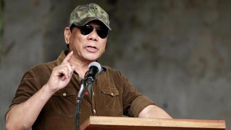 Duterte: Jika Saya Jadi Diktator, Tembak Saya!