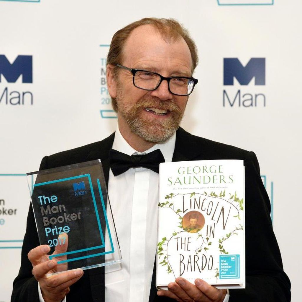 Penulis Novel tentang Catatan Fiktif Abraham Linclon Raih Penghargaan