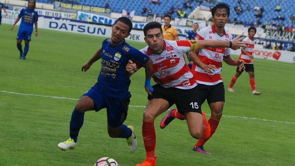 Persib vs Madura United Berakhir Tanpa Gol