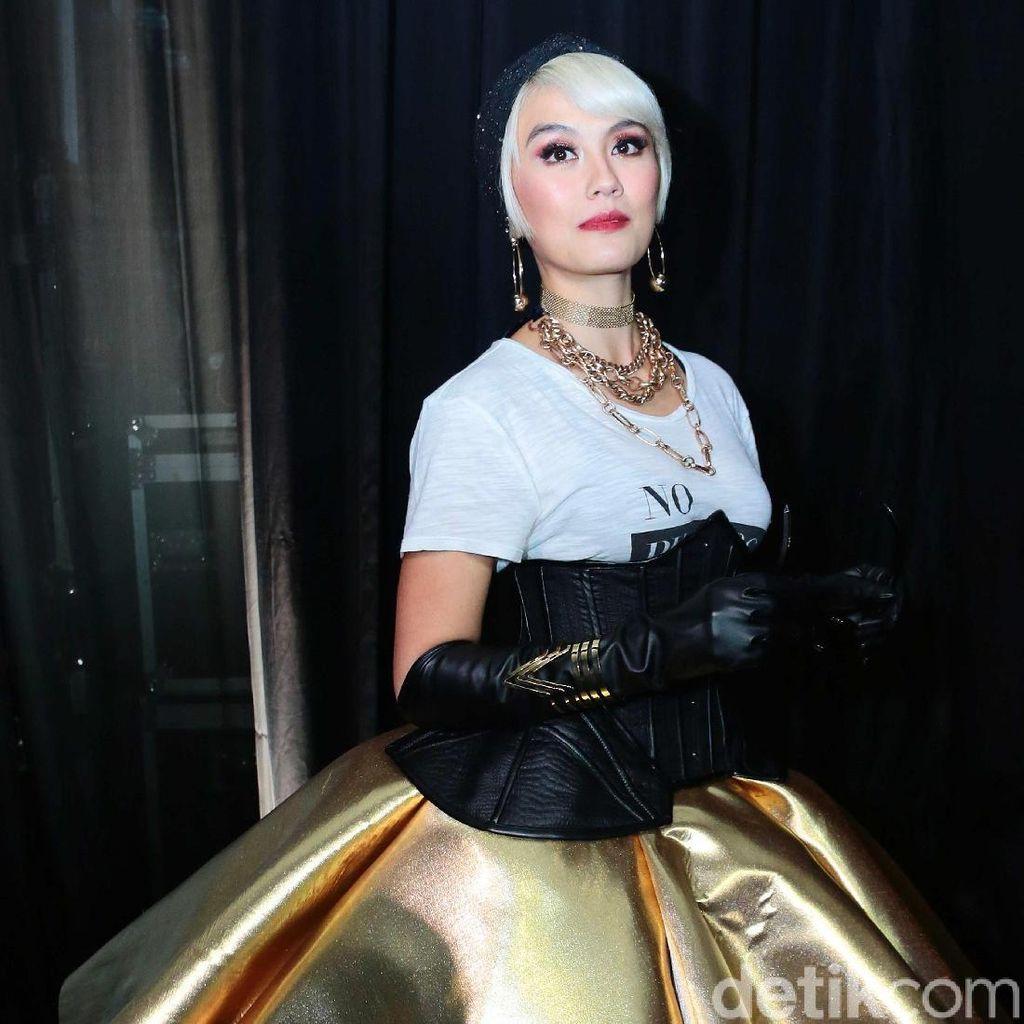 <i>Gold Lady</i>! Agnez Mo yang Makin Menawan