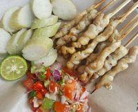 Sate taichan dengan paduan sambal matah pedas.