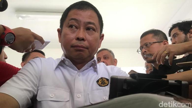Absen Dipanggil KPK soal Kasus - Jakarta Menteri Energi dan Sumber Daya Mineral Ignasius Jonan absen dari panggilan Dia sedianya akan diperiksa sebagai saksi