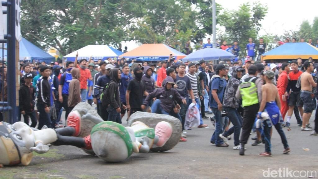Polisi Sayangkan Ulah Oknum Bobotoh Usai Laga Persib vs Madura United