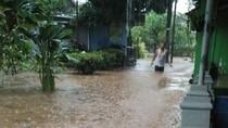 Hujan Deras, Rumah di Ragunan Tergenang Banjir Setinggi Paha