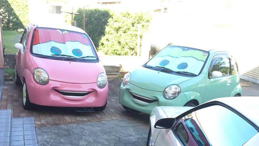 Bemper Mobil Ini Tersenyum