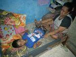 Ini Pengakuan Keluarga Pria yang Dorong Gerobak untuk Obatkan Anak