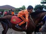 Melihat Siswa MIN 1 Madukara di Banjarnegara Latihan Berkuda