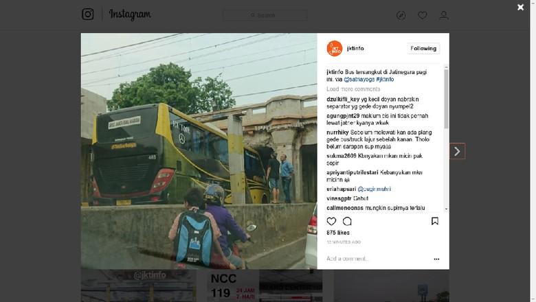 Ada Bus Tersangkut di Terowongan Matraman, Lalin Tersendat