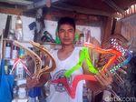 Kisah Perajin Bumerang Mendunia Asal Sukabumi yang Penuh Liku