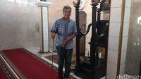 Luas Masjid Pejlagrahan ini memang tidak lebih luas dari masjid tertua lainnya di Cirebon.