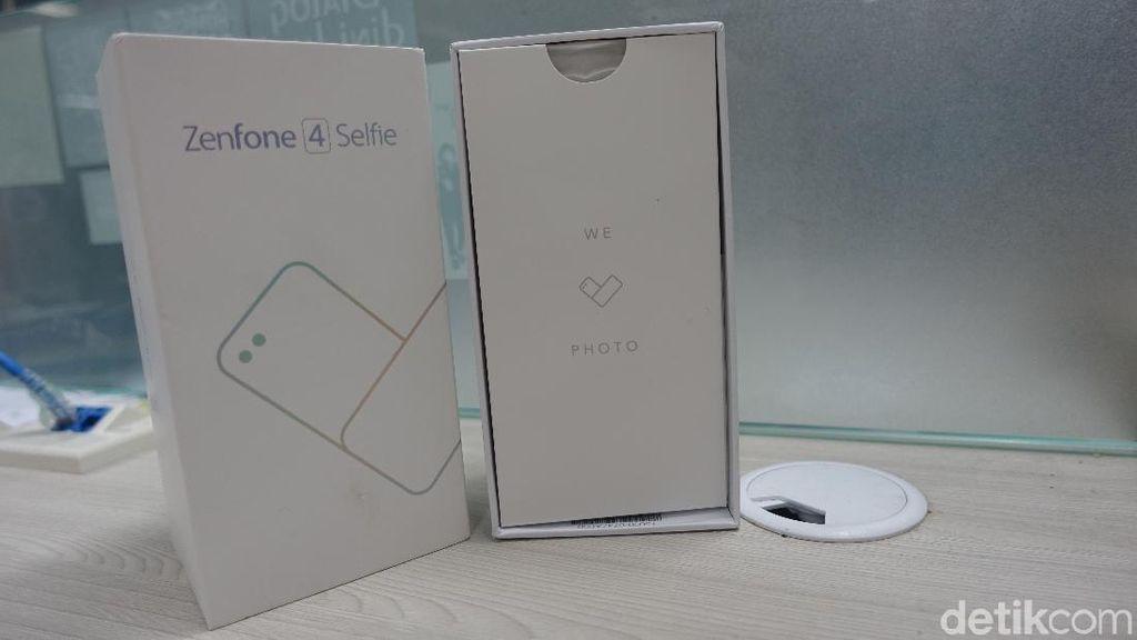 Zefone 4 Selfie merupakan satu dari dua varian ponsel seri Selfie terbaru dari Asus, selain Selfie Pro. Foto: Muhammad Alif Goenawan/detikINET