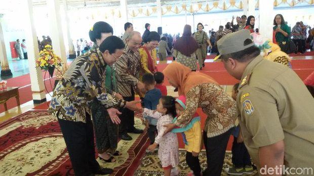 Kenduri Ageng Mangayubagyo pelantikan Gubernur dan Wagub DIY.