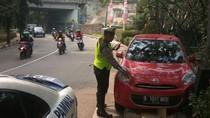 Epilepsi Kambuh, Mobil yang Dikemudikan Dosen Ini Nyelonong ke Trotoar