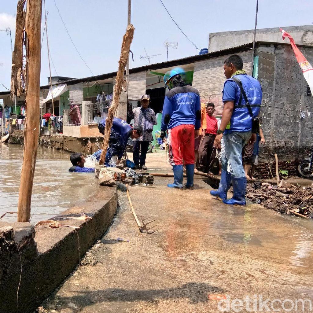 Banjir Mengintai, Warga Jatipadang Minta Kali Pulo Dikeruk