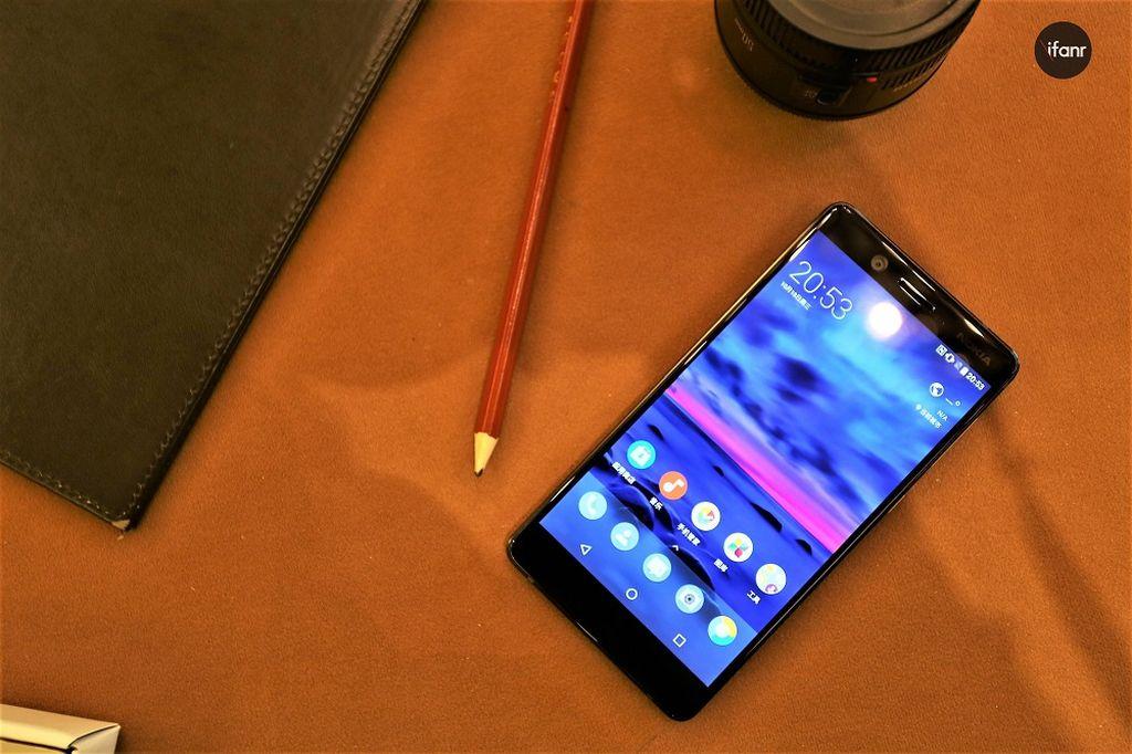 Nokia 7 mempunyai layar 5,2 inch dengan resolusi 1920 x 1080 pixel alias full HD. (Foto: ifanr)