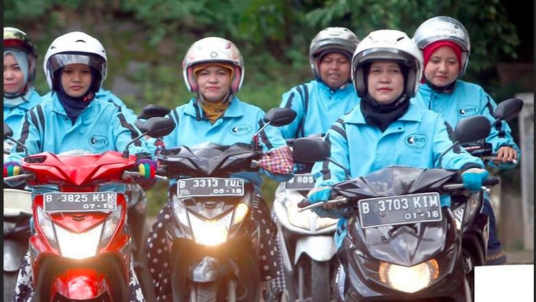Ojek Wanita Lebih Enak Diajak Curhat