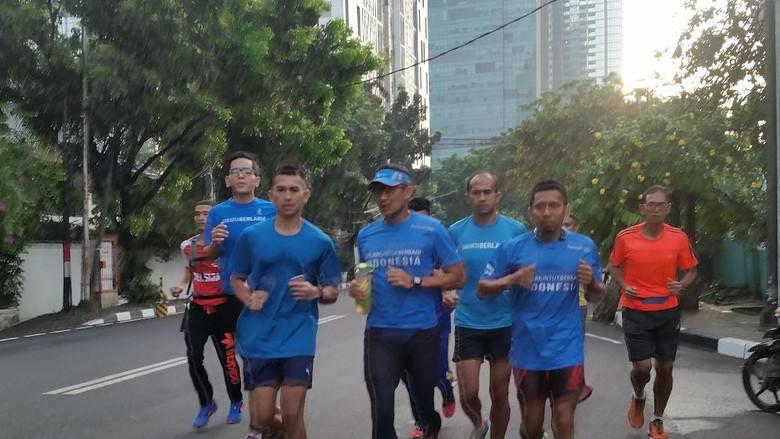 Lari Bareng Pelari Legenda, Sandiaga Mau Buat Lomba Maraton