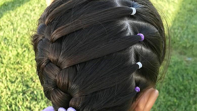 Cantiknya Gaya Kepang Rambut si Kecil yang Bisa Bunda Coba