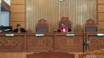 KPK Tak Hadir, Praperadilan AW-101 Ditunda 2 Pekan