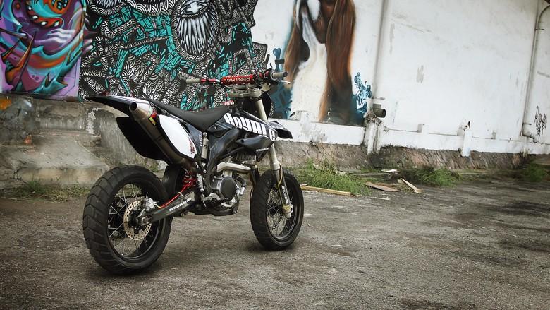 Custom Yamaha WR250X Ini Hanya Ada 1 di Dunia