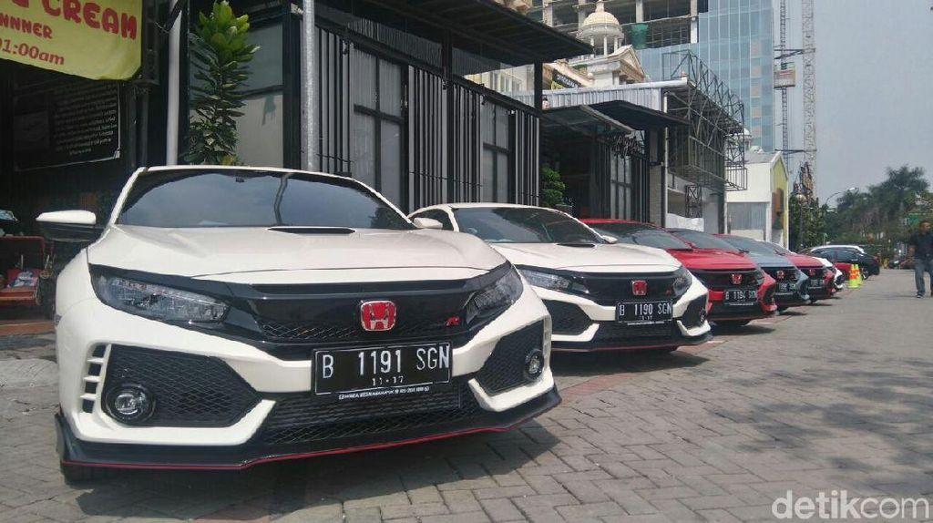 Honda Serahkan Civic Type R ke Tangan Konsumen