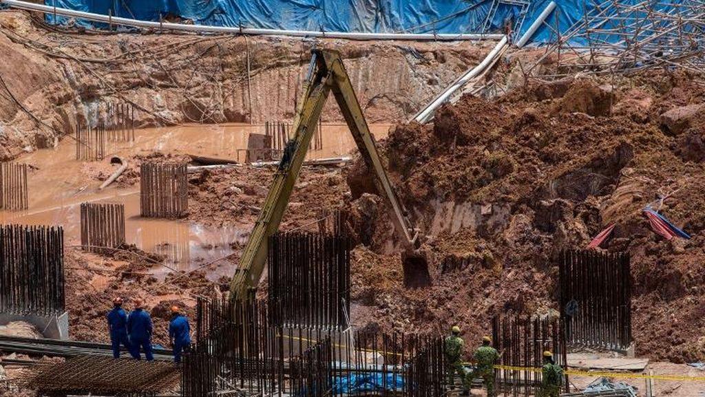 Foto: Proses Pencarian Korban Longsor di Penang Malaysia