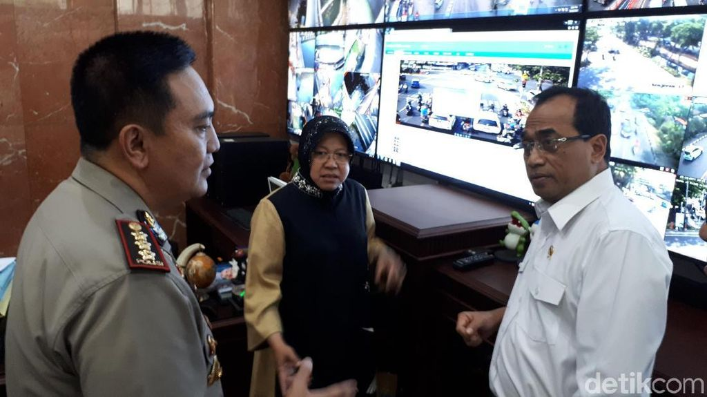 Bertemu Menhub, Risma Pamer CCTV Tilang Hingga Curhat Ojek Online