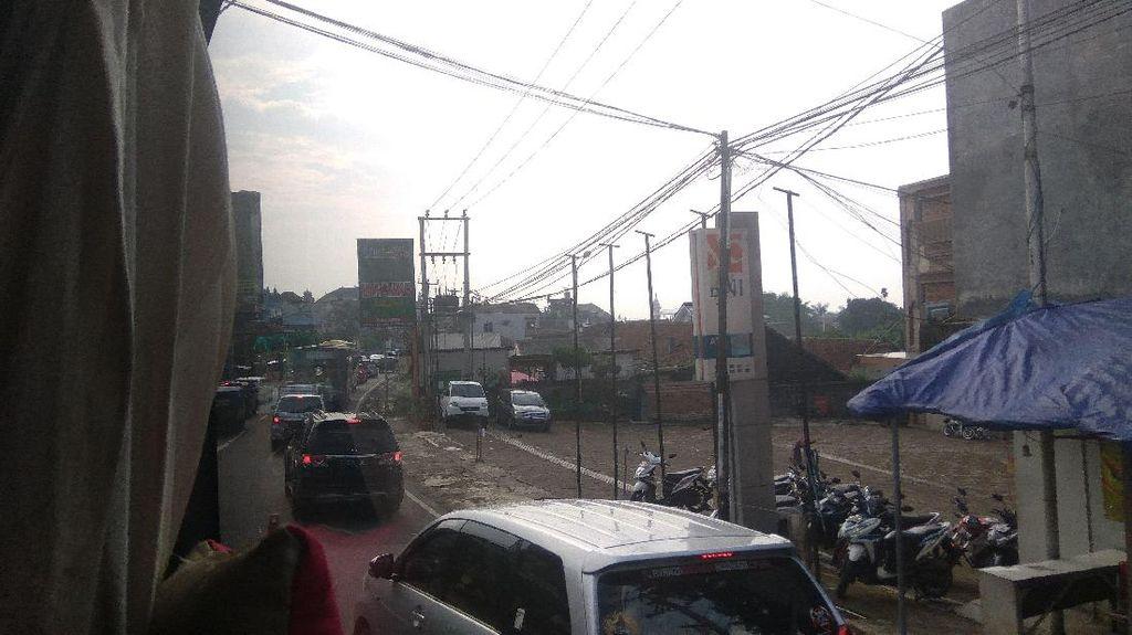 One Way Berlaku, Lalin Puncak Arah Jakarta Ramai Lancar