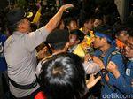 Demo di Dekat Istana, 3 Polisi dan 1 Mahasiswa Terluka