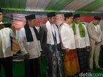 Anies Hadiri Pembacaan 1 Miliar Selawat di Masjid KH Hasyim Asyari