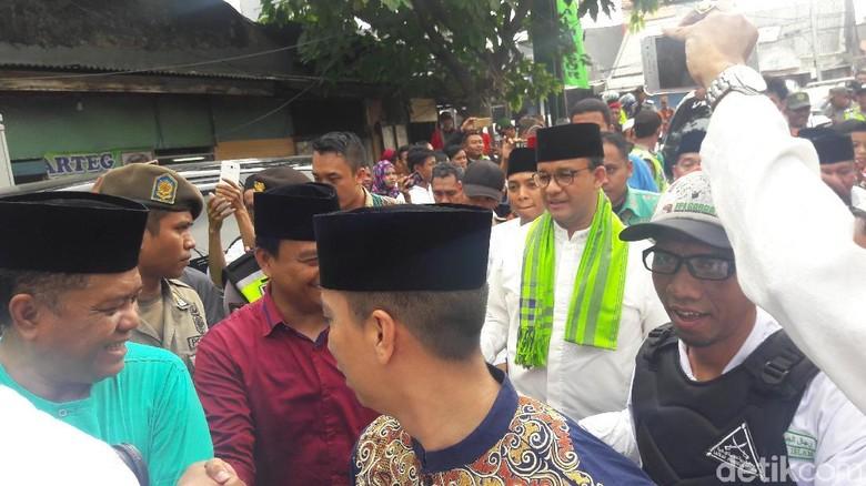 Soroti Warisan Nusantara, Anies Janji Renovasi Masjid JamiAl Mansur