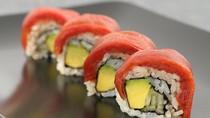 Supermarket Ini Bikin Tuna Sushi untuk Vegetarian dengan Bahan Tomat!