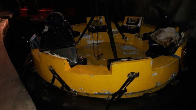 Perahu Wahana Arung Jeram di Dufan Terbalik, 5 Orang Luka