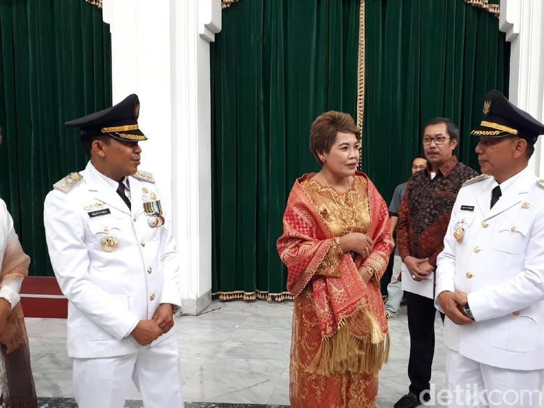 Hari Ajay Ngatiyana Fokus Benahi - Bandung Ajay M Priatna dan Ngatiyana resmi dilantik sebagai Wali Kota dan Wakil Wali Kota Cimahi terpilih periode