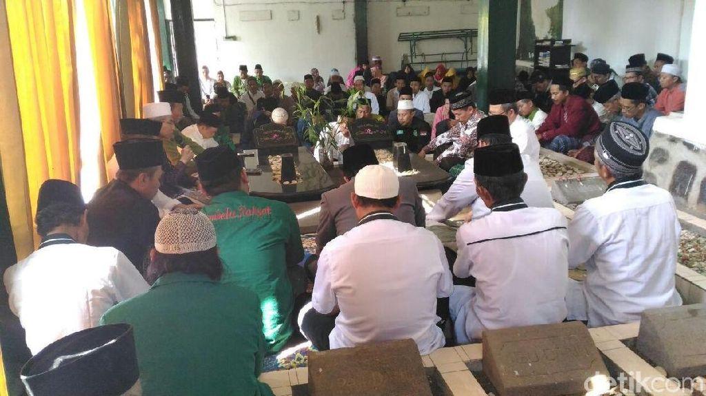 Hari Santri Nasional, Warga Banjarnegara Ziarah ke Makam Para Ulama