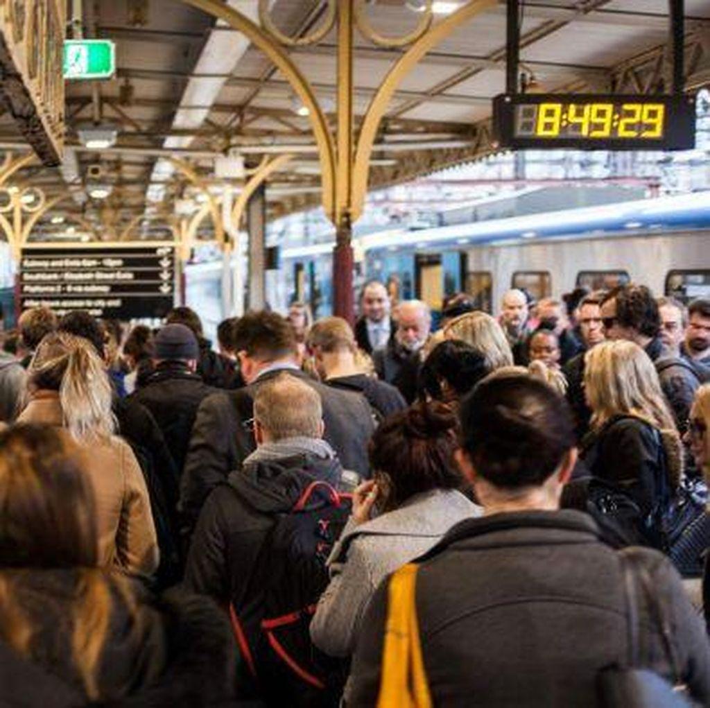 Tindakan Tidak Senonoh di Transportasi Publik Victoria Meningkat