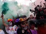 Foto: Tengkorak Gentayangan di Jalanan Meksiko