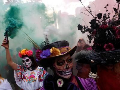 Parade Tengkorak-tengkorak Hidup di Meksiko