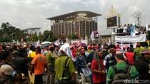 Pekerja Hutan Industri Demo di Pekanbaru Tolak Kebijakan Menteri LHK