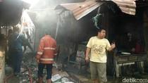 Korsleting Listrik, Pasar Legi di Mojokerto Terbakar