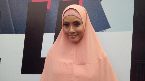 Elma Theana Bantah Akan Jadi Saksi Persidangan Gatot Brajamusti