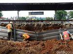 Melihat Proses Pembangunan Stasiun Klender