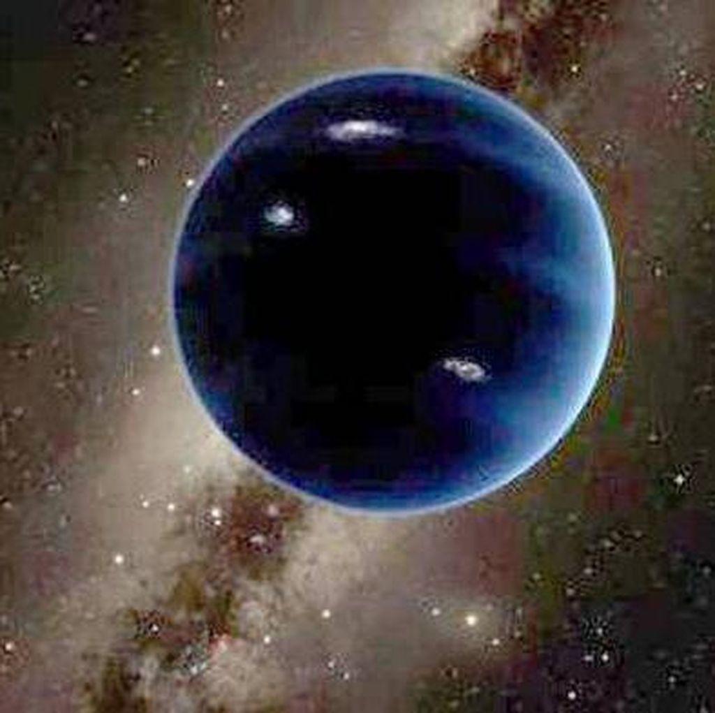 Teori Planet Kesembilan Hasil Curian Matahari