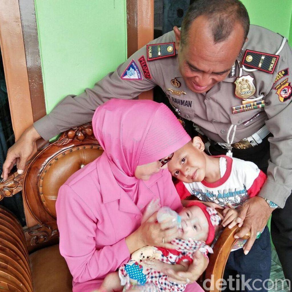 Kisah AKP Lalu Adopsi Bayi yang Dibuang di Kardus di Bogor