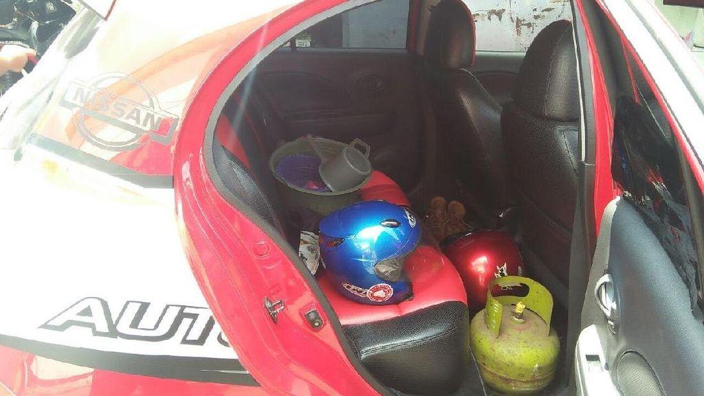 Lagi, Pencuri Bermobil Incar Helm-helm di Parkiran Motor