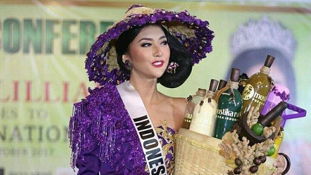 Cantiknya Kevin Lilliana, Mbok Jamu yang Ikut Kompetisi Miss International