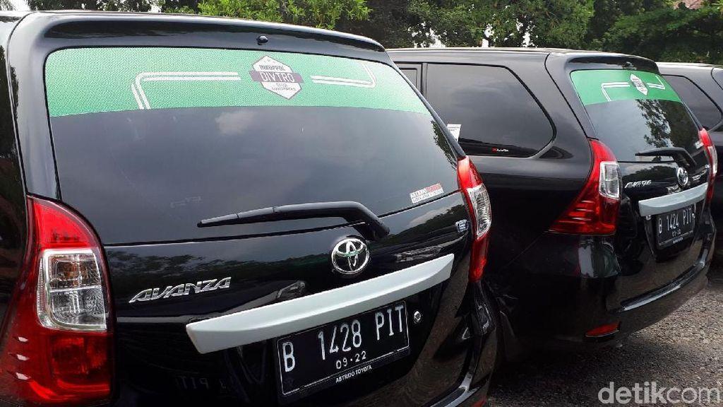 Pendaftaran Sopir Taksi Online Disetop, Ini Respons Operator