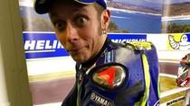 Tapak Ban Marquez di Baju Balap Rossi